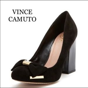 VINCE CAMUTO SUEDE HOLIDAY HEELS WITH BOWS 7.5